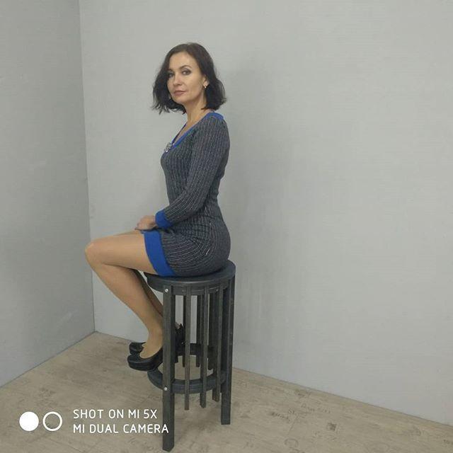 В темном стул тоже прекрасен, как и наша модель!