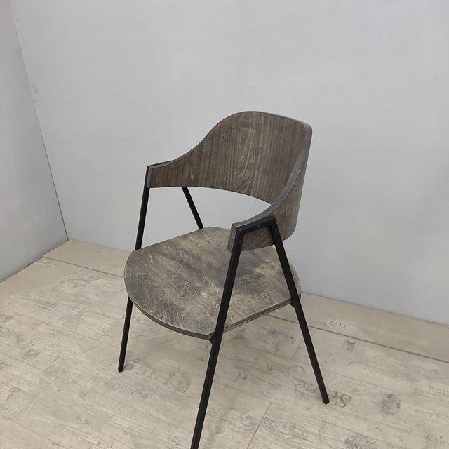 Долго разрабатывали! Получился очень удобный и лёгкий стул.#chaft #лофт #металлидерево #дизайнквартиры #крымлофт #современнаямебель #магазинмебели #рестораны #стильлофт #стильномодно #комната #бар #барныйстол #лофтдизайн#барныестулья#барныестолы#моднаямебель#уникальнаямебель#мебельотпроизводителя#дизайнерскаямебель#дизайнресторана